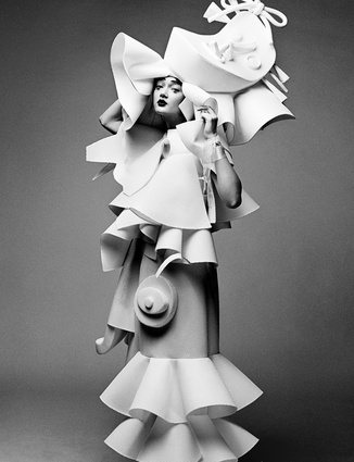 Laura Marie Cieplik. Viktor&Rolf, <i>Performance of Sculptures</i> haute couture collection, spring-summer 2016.