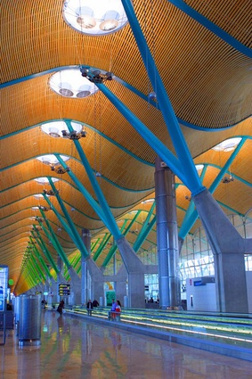 T4 Madrid Barajas Airport. The 5-layered strips  of bamboo were specially designed for this project and underwent a particular fireproof as well as anti-humidity treatment.