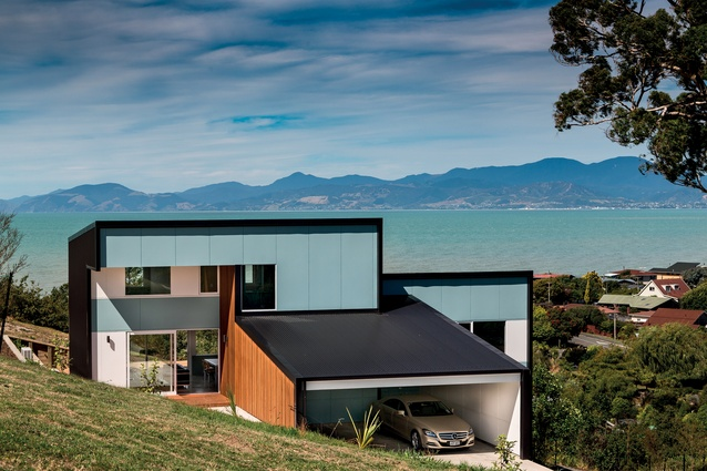 Inescapable Views Ruby House Architecture Now - Spend-hot-summers-and-views-in-a-beach-house-designed-by-parsonson-architects