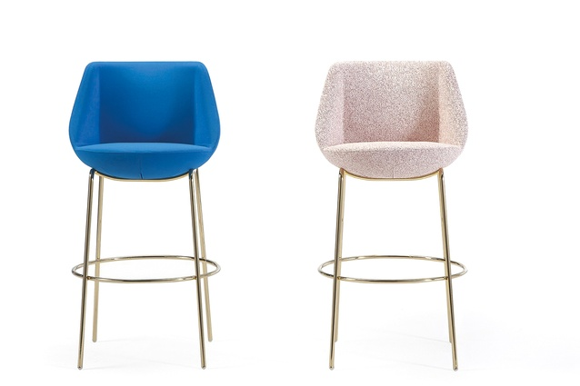 The Magnum bar seat by EstudiHac's José Manuel Ferrero is inspired by exclusive London members' clubs.