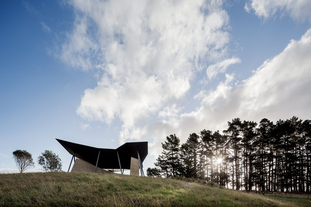 Rore Kāhu translates as 'soaring hawk' and is also the name of the hill on which Cheshire Architects' visitor centre sits within the Rangihoua Heritage Park in the Bay of Islands.