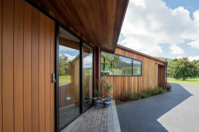 The form of the main house is in the shape of a 'relaxed C' says architect Glenn Brebner.