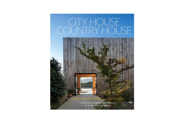 <em>City House, Country House</em> by John Walsh and Patrick Reynolds.