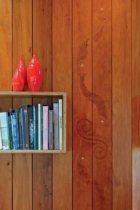 Maori master carver Rewi Thompson was invited to carve the interior of Bob Harvey's house in Karekare, creating the history of Harvey's family and the history of the land.