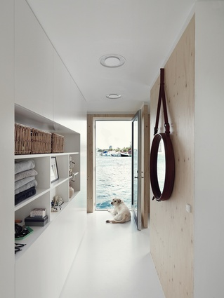 "<a href=""http://urbismagazine.com/articles/on-the-waterfront/"" target=""_blank""><u>Copenhagen Houseboat</u></a>. One of the aims of the home was to introduce as much natural light as possible, reflected from the surrounding water."